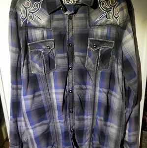 Roar long sleeve tribsl shirt size large